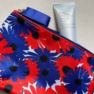 Estée Lauder set-cleansing cream+ makeup case new!
